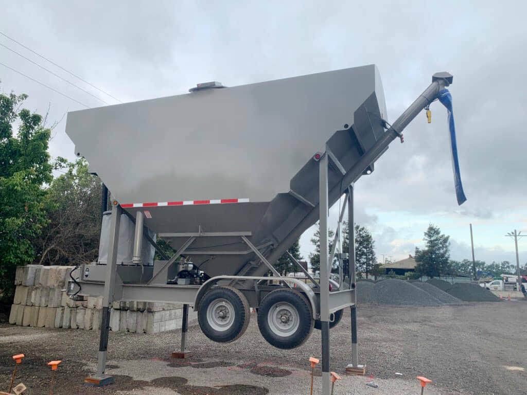 holcombe mixers 200 bbl portable silo