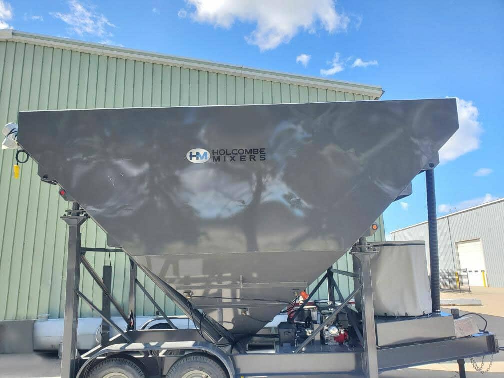 holcombe mixers 200 barrel low-profile portable silo